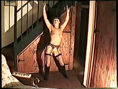 Solo milf strip show