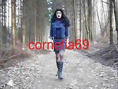 german transvestit im Wald