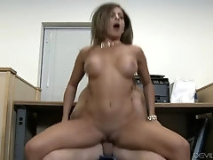 a real middle-aged hottie getting the doggy pounding that she needed