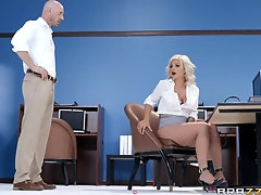 Blonde Madelyn Monroe gets bored and swallows her coworker's load