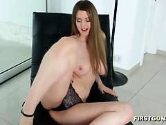 Beauty with huge knockers gets her asshole fucked