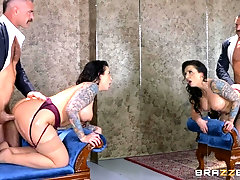 Bombshell with a pierced nose Ivy Lebelle gets cum on her pretty face