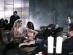 Hardcore FFM threesome with tattooed babes sharing a cumshot