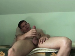 Hunky stud Win Soldier loves beating his meat stick