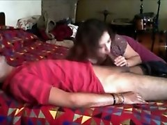 Indian cock loving kinky lady gives head on homemade tape
