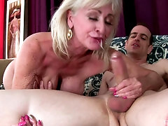 Facial and cum in mouth are things that Leah L'amour adores to do