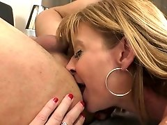 Super juggy mature hooker Sara Jay gives a rimjob and gets her pussy creampied