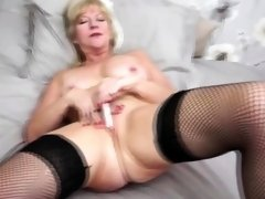 British housewife Emily Jane fingering herself