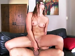 Fit girl climbs on his cock and gets her pussy gaped