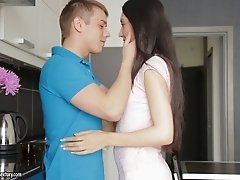 Gorgeous teen beauty receives the dick of her newest boyfriend
