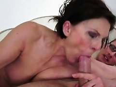 Chubby cougar creampied by stiff cock