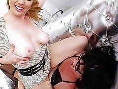 Adrianna Nicole and tranny Mandy Mitchell