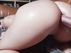 Sexy blowjob and ass boning with a wonderful brunette