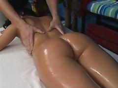 Wacko floozy takes jock from her massage therapist