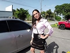 Roadside Alexandra pays her tow bill with a blowjob and sex